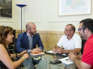 Entrevista amb el diputat d'Hisenda per a tractar el nou pla de la Diputació.
